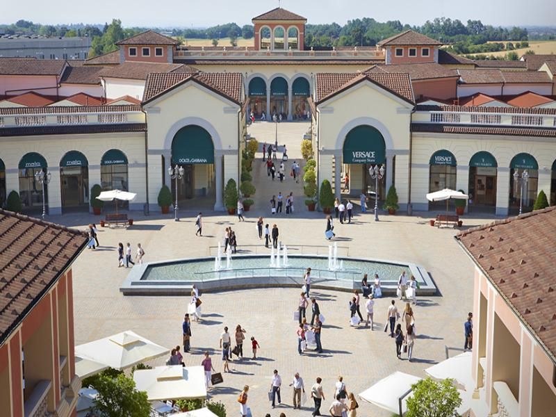 SERRAVALLE OUTLET SHOPPING TOUR