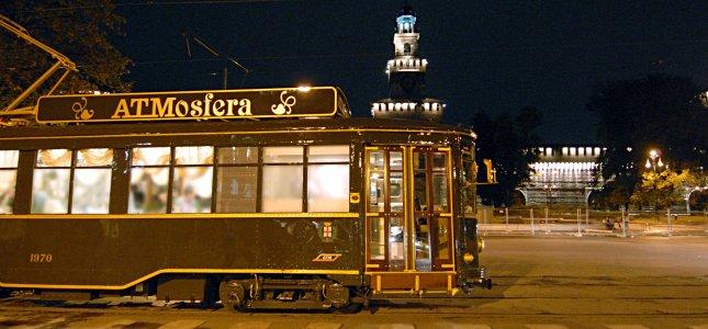 ATMosfera Tram Ristorante   Milano da un diverso punto di vista: vivi l'esperienza unica di una cena a bordo di un tram storico attraversando il centro di Milano!  TUTTI I GIORNI ALLE ORE 20:00   SPECIALE AGOSTO A MILANO  A soli € 65 per persona PROMOZIONE COPPIE € 115,00 !!!   SCOPRI I DETTAGLI!