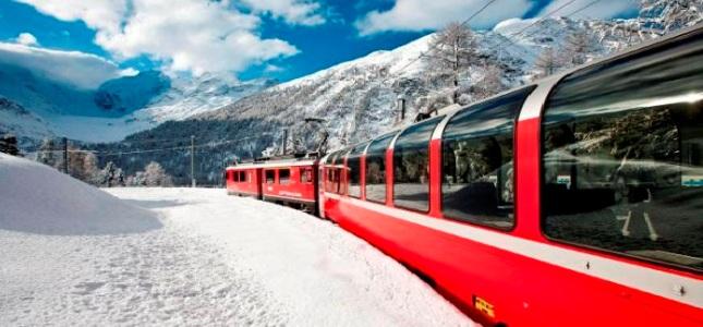 TRENO ROSSO DEL BERNINA  Esplora le Alpi Svizzere dai finestrini del mitico treno rosso. Panorami mozzafiato, visita St. Moritz e tempo libero per lo shopping.  Partenze da San Pellegrino Terme, Bergamo e Milano.   LUNEDì 8 DICEMBRE 2014 PARTENZA CONFERMATA!   a soli 69 € OFFERTA!!!  50% RAGAZZI e 10% SENIOR  SCOPRI I DETTAGLI!