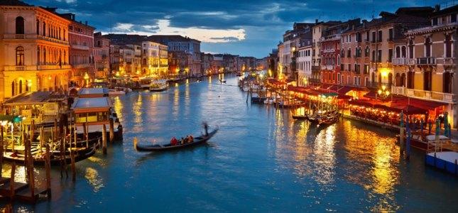 VENEZIA  Visita in giornata a Venezia. Un salto nel tempo tra gondole e canali, vista Piazza San Marco, il Ponte dei Sospiri e scopri il fascino romantico di una città unica al mondo.  Partenza daSan Pellegrino, MilanoeBergamo.  DOMENICA 28 SETTEMBRE 2014 PARTENZA CONFERMATA !!!   A soli 75 €  SCOPRI I DETTAGLI!